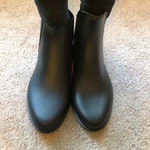 Like new rain booties